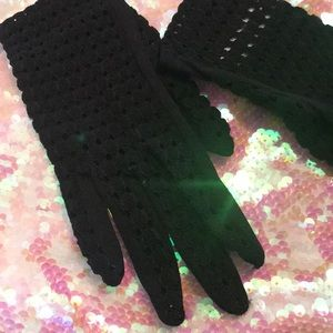 Black fishnet hole vintage gloves Xs B max Mayer